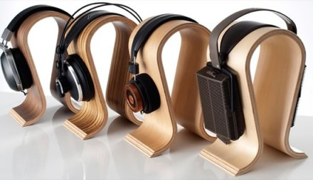 Omega-Headphone-Stand-1