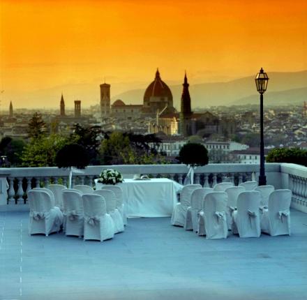 villa la vedetta panoramic terrace at sunset