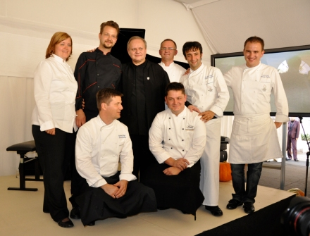 Joel Robuchon in the middle of slovenian top chefs during his visit in Slovenia (Photo: Andreja Lajh)