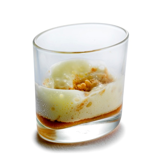 Olive oil foam, cous cous from haselnuts and medlar cream (Cristiano Tomei) - Photo: Janez Pukšič